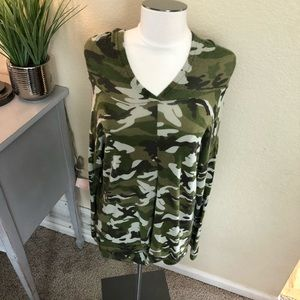 NEW Pull over hooded camo top